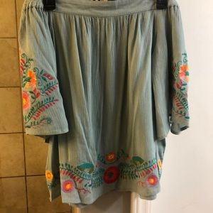 Umgee off shoulder embroidered top size small